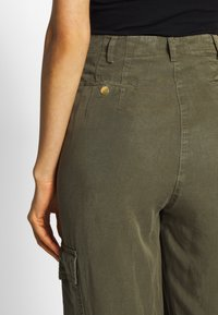 H2O Fagerholt - READY TO WEAR PANTS - Trousers - army - 5