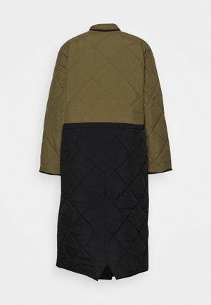 BABY MAMA JACKET - Zimní kabát - forrest green