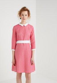 iBlues - DACIA - Denní šaty - fuchsie - 0