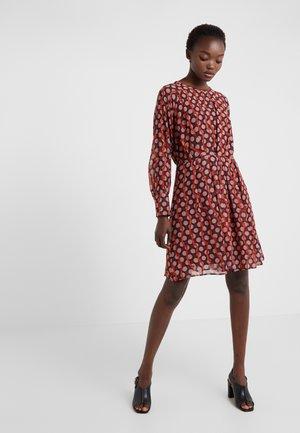 EXTRA - Denní šaty - ferro