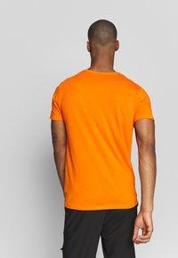 Icepeak - AACHEN - T-shirt z nadrukiem - burned orange - 2