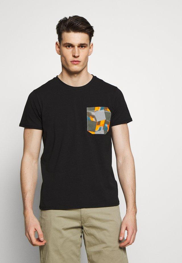ICEPEAK ELLSTON - T-shirts med print - black