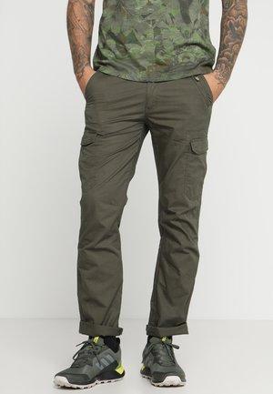 LESTER - Trousers - dunkel olivgrün