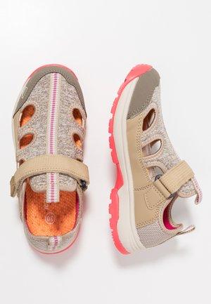 AJOS - Zapatillas de senderismo - beige