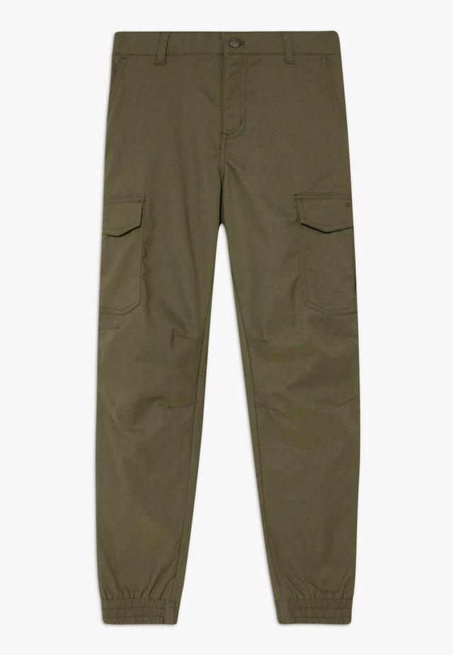LARQ - Spodnie materiałowe - dark olive
