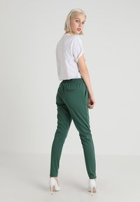 ICHI - KATE - Teplákové kalhoty - smoked pine - 2