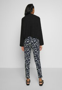 ICHI - IHLISA - Trousers - cool blue - 2
