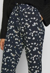 ICHI - IHLISA - Trousers - cool blue - 4