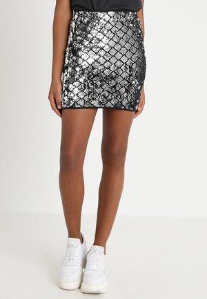 IHGEORGE - Minifalda - silver