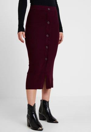 URIT - Pouzdrová sukně - winetasting