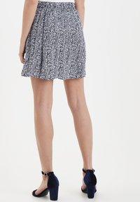 ICHI - IHMARRAKECH - Pleated skirt - total eclipse - 2