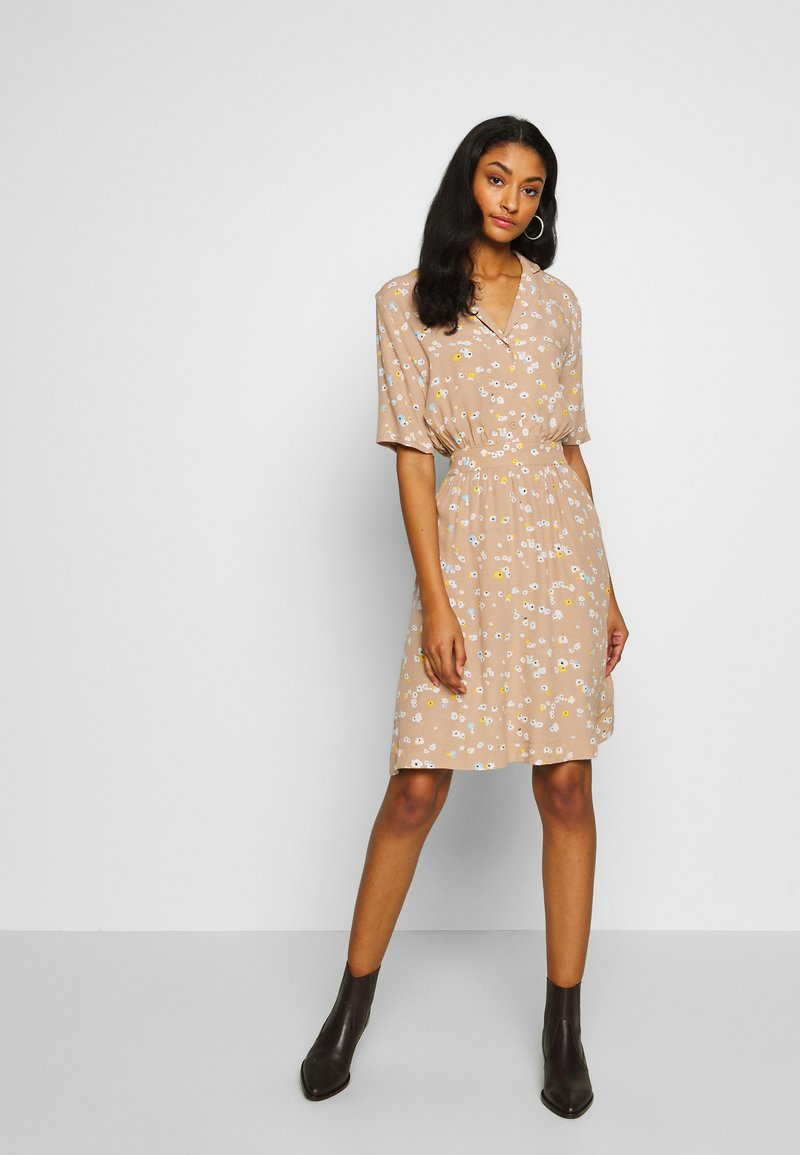 ICHI - IHANGEL - Shirt dress - natural