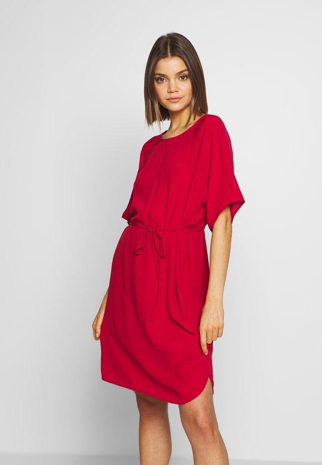 AMANDA - Day dress - scarlet sage