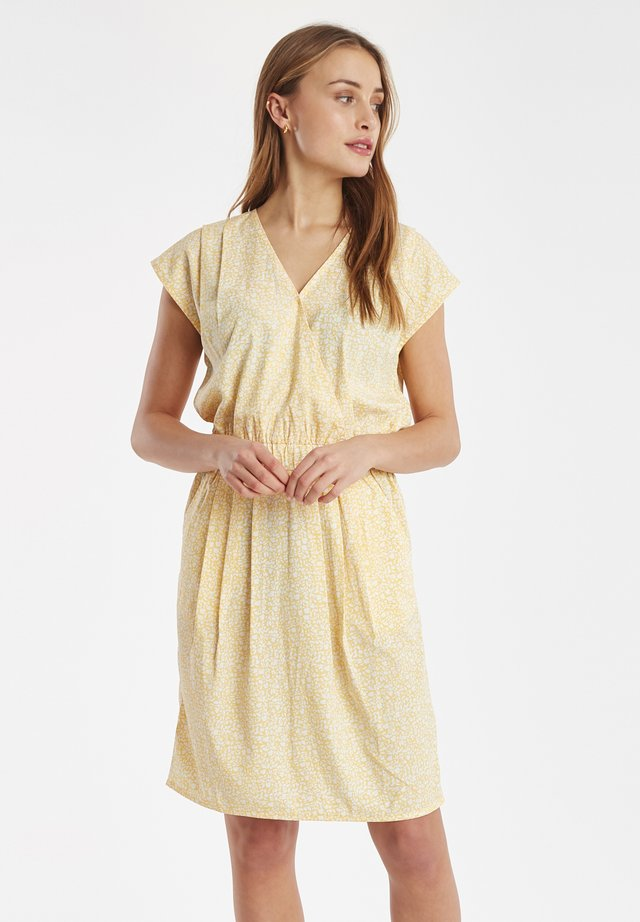 IHBRUCE - Day dress - buff yellow