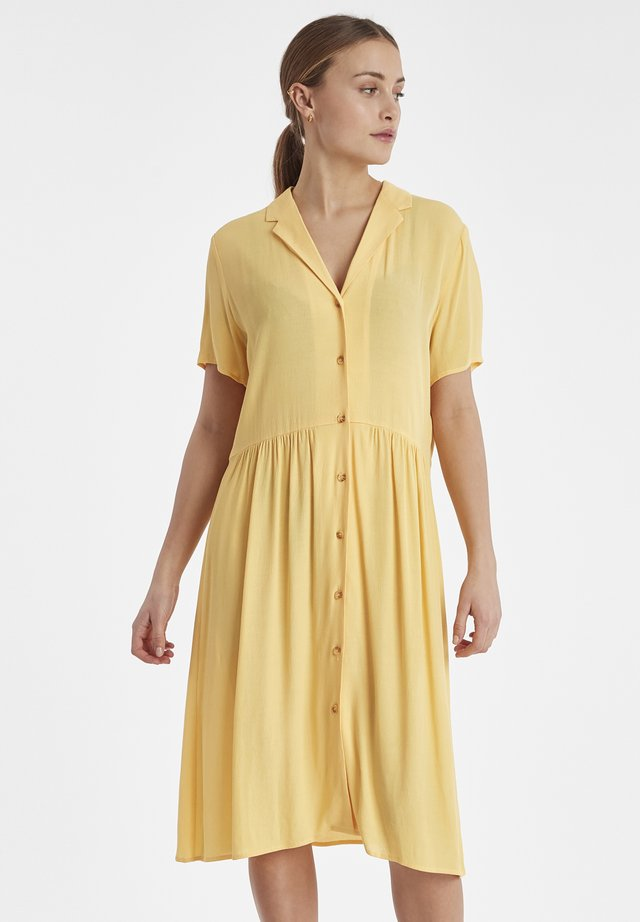 IHINNA - Shirt dress - buff yellow