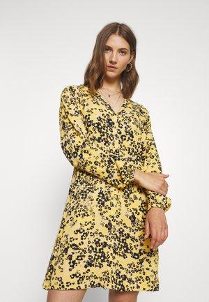 IHMARRAKECH - Robe chemise - yellow
