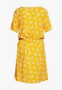 ICHI - VERA - Day dress - golden yellow - 1
