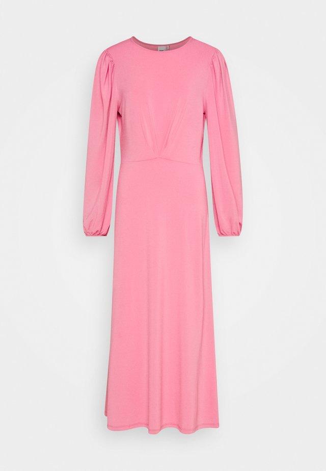 KIRSTA - Sukienka z dżerseju - wild rose