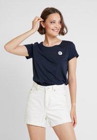 ICHI - KISS - Print T-shirt - total eclipse - 0