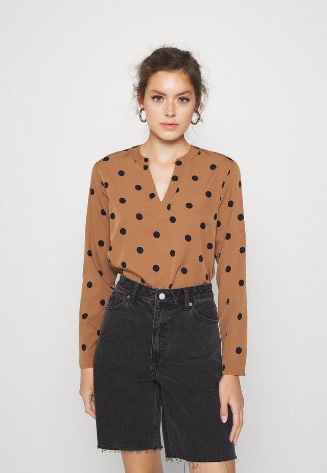 Blus - brown/black