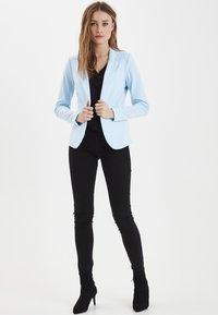 ICHI - IHKATE - Blazer - cool blue - 1