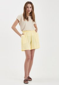 ICHI - Shorts - light yellow - 1