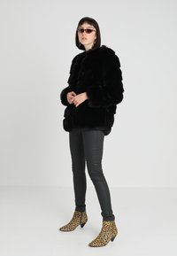 ICHI - ZENIA - Winter coat - black - 1