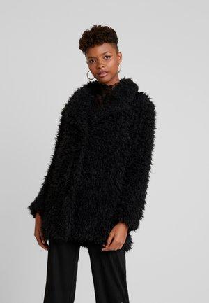 TITO - Krátký kabát - black
