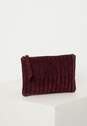 IASTRIPY  - Clutch - bordeaux