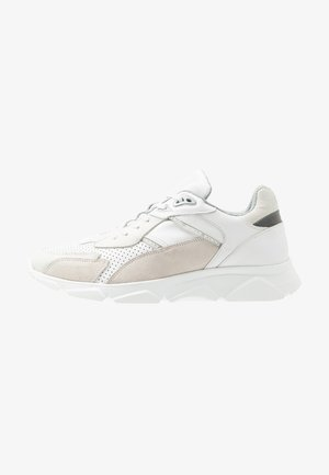 CITY RUN - Sneakers basse - white