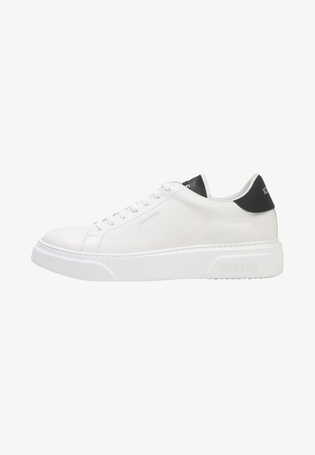 FIU  - Sneakers laag - casper