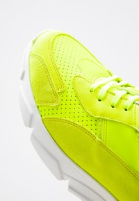 Iceberg - CITY RUN - Sneakers basse - fluo - 5