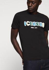 Iceberg - T-shirt con stampa - black - 3