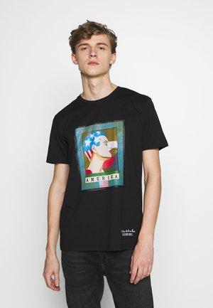 PETER BLAKE AMERICA  - T-shirt con stampa - nero