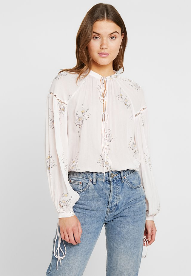 GIPSY FLOWER PRINT BLOUSE - Pusero - light pink