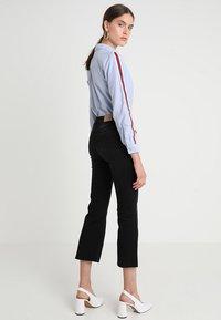 Iden - ADA KICK - Flared Jeans - black - 2