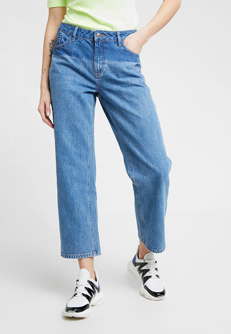 Iden - VIRGINIA BOYFRIEND SHADOW - Relaxed fit jeans - mid blue