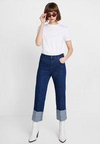 Iden - SYLVIA RELAXED MAXI TURN UP - Straight leg jeans - rinse - 1