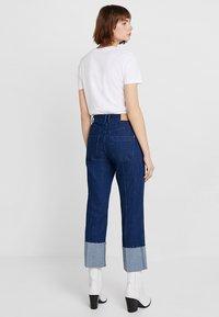 Iden - SYLVIA RELAXED MAXI TURN UP - Straight leg jeans - rinse - 2
