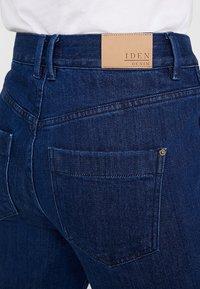 Iden - SYLVIA RELAXED MAXI TURN UP - Straight leg jeans - rinse - 5