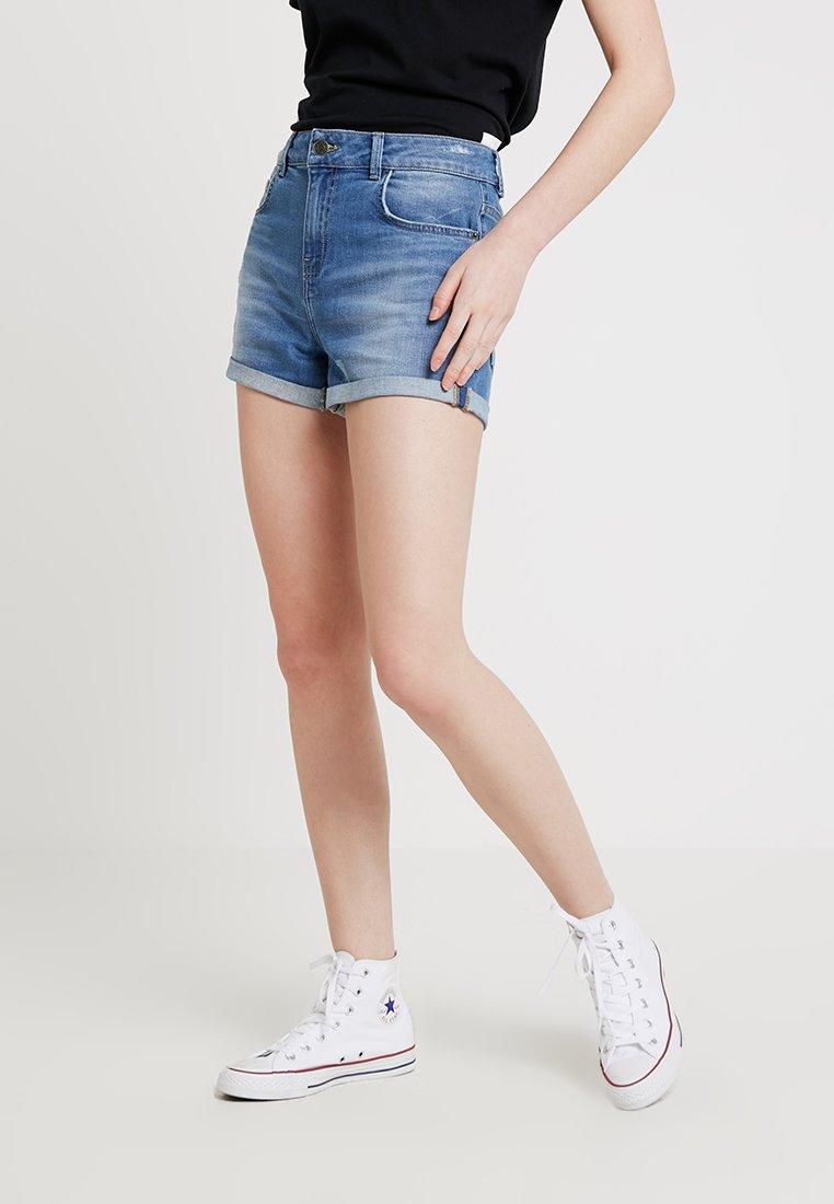 Iden - SHADOW POCKET - Denim shorts - light indigo