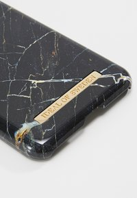 iDeal of Sweden - FASHION CASE IPHONE X/XS MARBLE - Phone case - portlaurent - 2