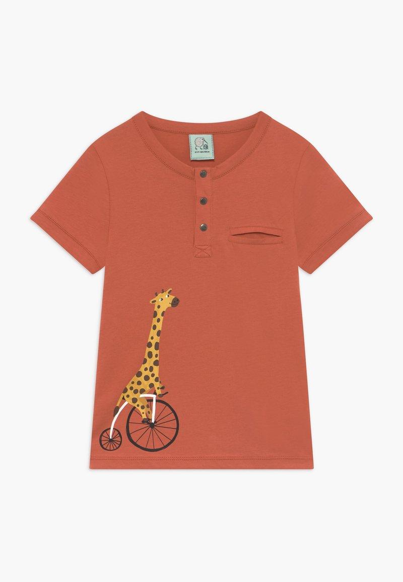 igi natur - CORE BICYCLE RACE GIRAFFE TEE - T-shirt print - red