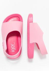 IGOR - BICOLOR - Sandály do bazénu - fuchsia - 0