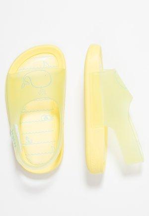 BABY BALLENA - Sandály do bazénu - yellow