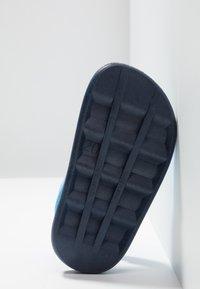 IGOR - BICOLOR - Sandály do bazénu - navy - 5