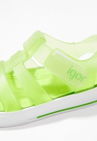 IGOR - STAR - Sandály do bazénu - green - 2
