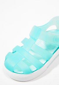 IGOR - STAR - Sandály do bazénu - mint - 2