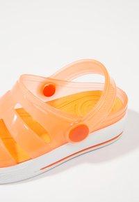 IGOR - SPORT - Sandály do bazénu - orange - 6