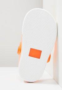 IGOR - SPORT - Sandály do bazénu - orange - 5